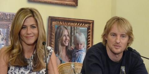 Jennifer Aniston et Owen Wilson à Paris pour défendre Marley & Moi