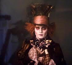 La 1ere bande-annonce du nouveau Tim Burton, Alice aux Pays des Merveilles en exclu